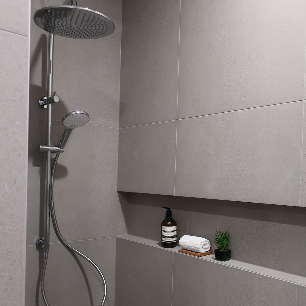 shower-niche-and-shower-recess
