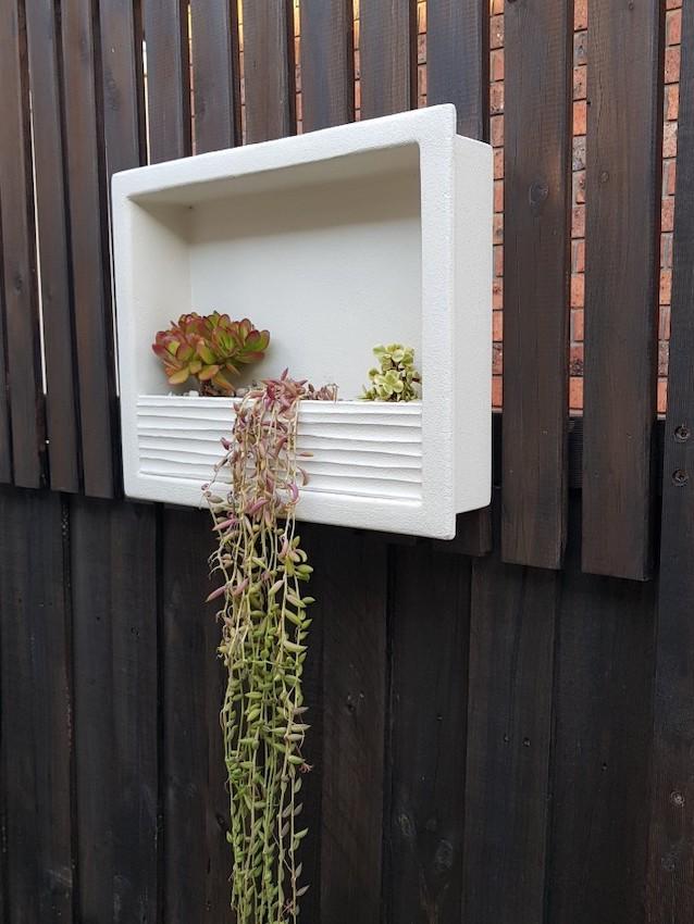 outdoor-planter-niche