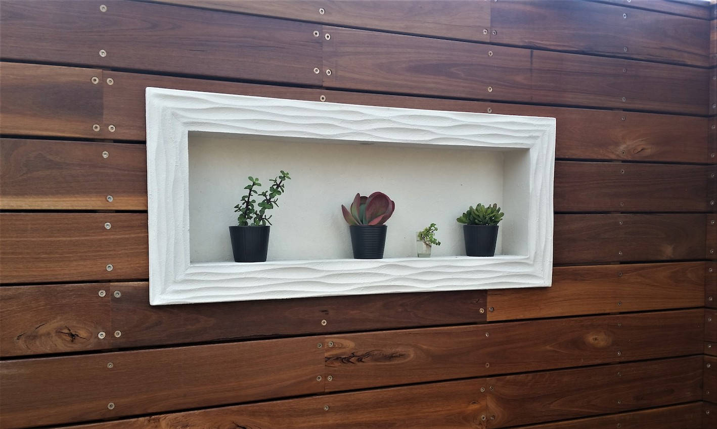 outdoor-niche-on-fence