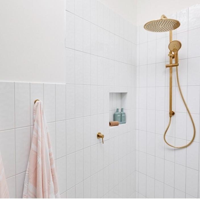jimmy-and-tam-the-block-studio-shower-niche